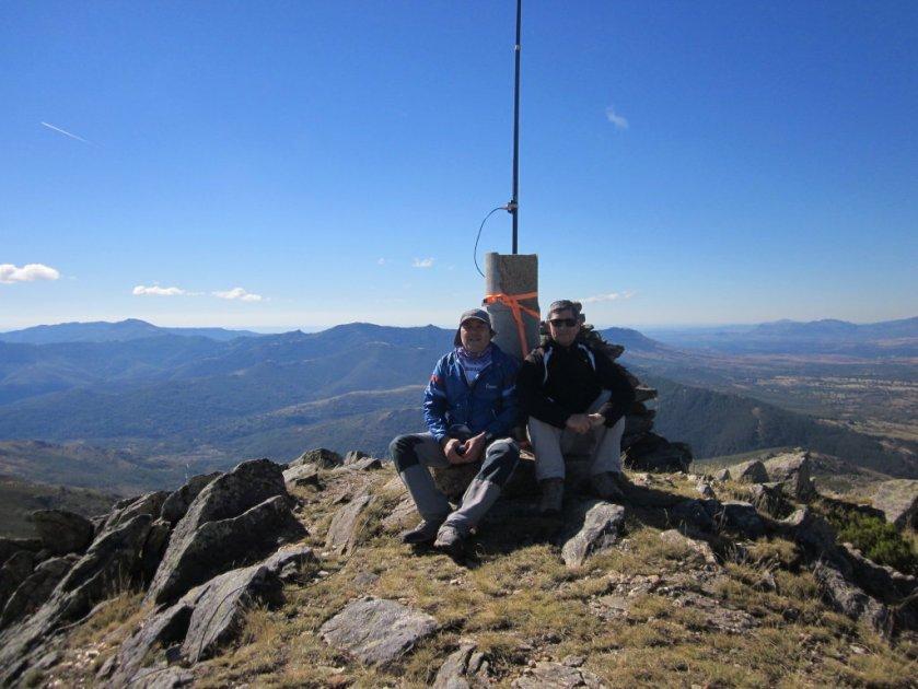EA4MZ y EA4TN en el Pico Santuy